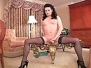 Tranny rubbes fancy cock