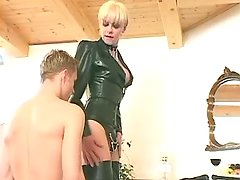 Misterss shemale spanks poor slave